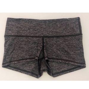 """Lululemon Size 6 Grey Spandex Short 2.5"""""""